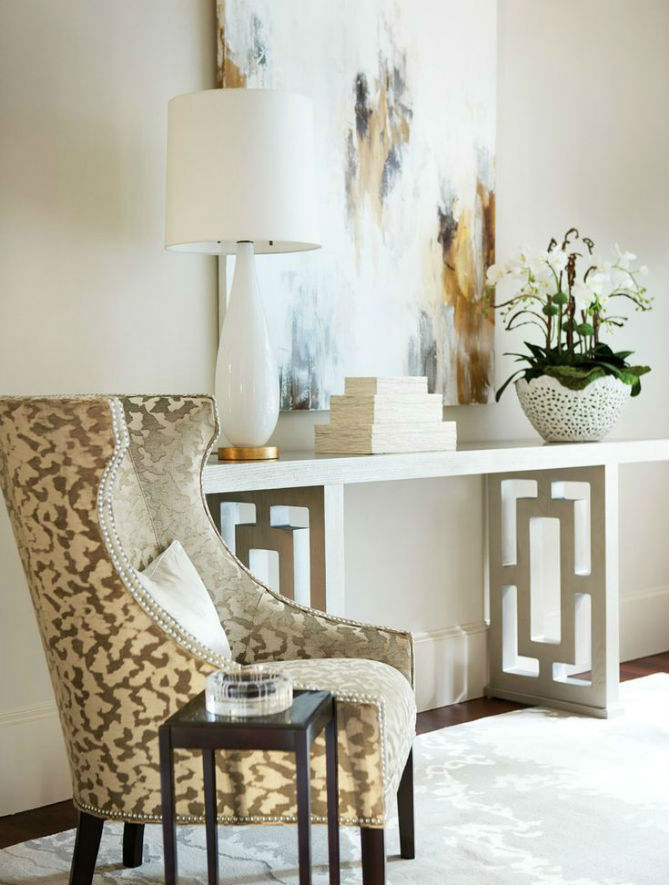 10 foyer decorating ideas with modern chairs for Foyer makeover ideas