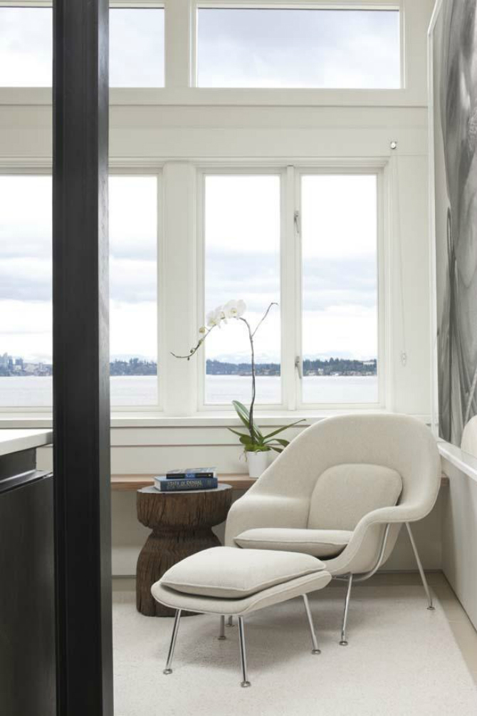Decorate your Bedroom with a Luxurious White Armchair (2) White Armchair Decorate your Bedroom with a Luxurious White Armchair Decorate your Bedroom with a Luxurious White Armchair 2