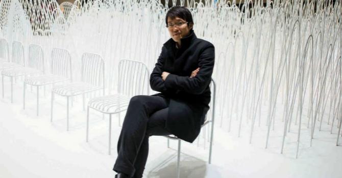 Nendo Studio Creates Optical Illusion with a Black Chair #diningarea #modernchairs #chairdesign dining chairs, dining room chairs, contemporary dining chairs | See more at http://modernchairs.eu/2016/03/16/nendo-studio-creates-optical-illusion-with-black-chair black chair Nendo Studio Creates Optical Illusion with a Black Chair Nendo Studio Creates Optical Illusion with Dining Room Furniture cover