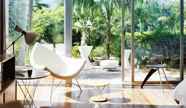 Top 10 Glamourous Side chairs for the Living Room
