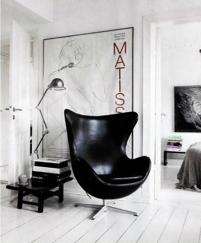Black chair 10 Glamorous Furniture Pieces for Your Home (2) Black chair Black chair: The Most Glamorous Furniture Pieces for Your Home Black chair 10 Glamorous Furniture Pieces for Your Home 2