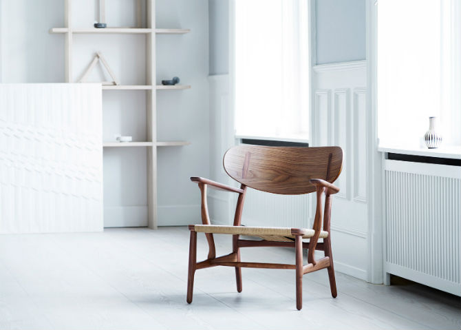 Designer Chairs Carl Hansen & Søn Relaunches CH22 Lounge Chair designer chairs Designer Chairs: Carl Hansen & Søn Relaunches CH22 Lounge Chair Designer Chairs Carl Hansen S  n Relaunches CH22 Lounge Chair 4