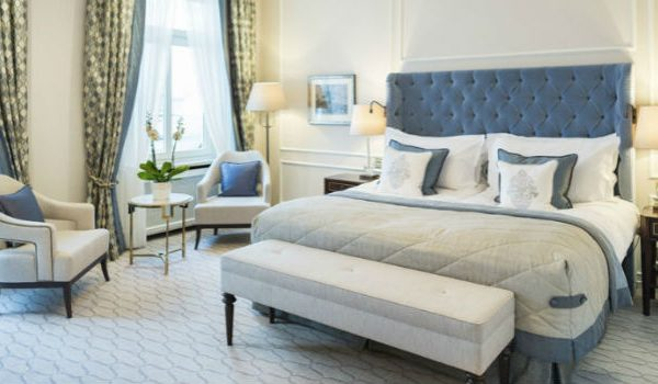 5 Luxury Chic Bedrooms With Bedroom Chairs Trending This New Season