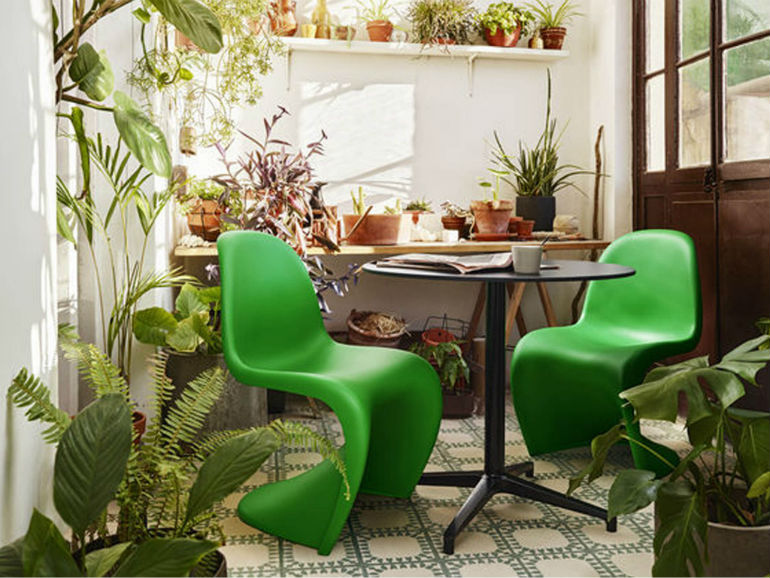 How to Use Pantone Color of the Year 2017 with Your Dining Chairs modern chairs How to Use Pantone Color of the Year 2017 with Your Modern Chairs How to Use Pantone Color of the Year 2017 with Your Modern Chairs 7