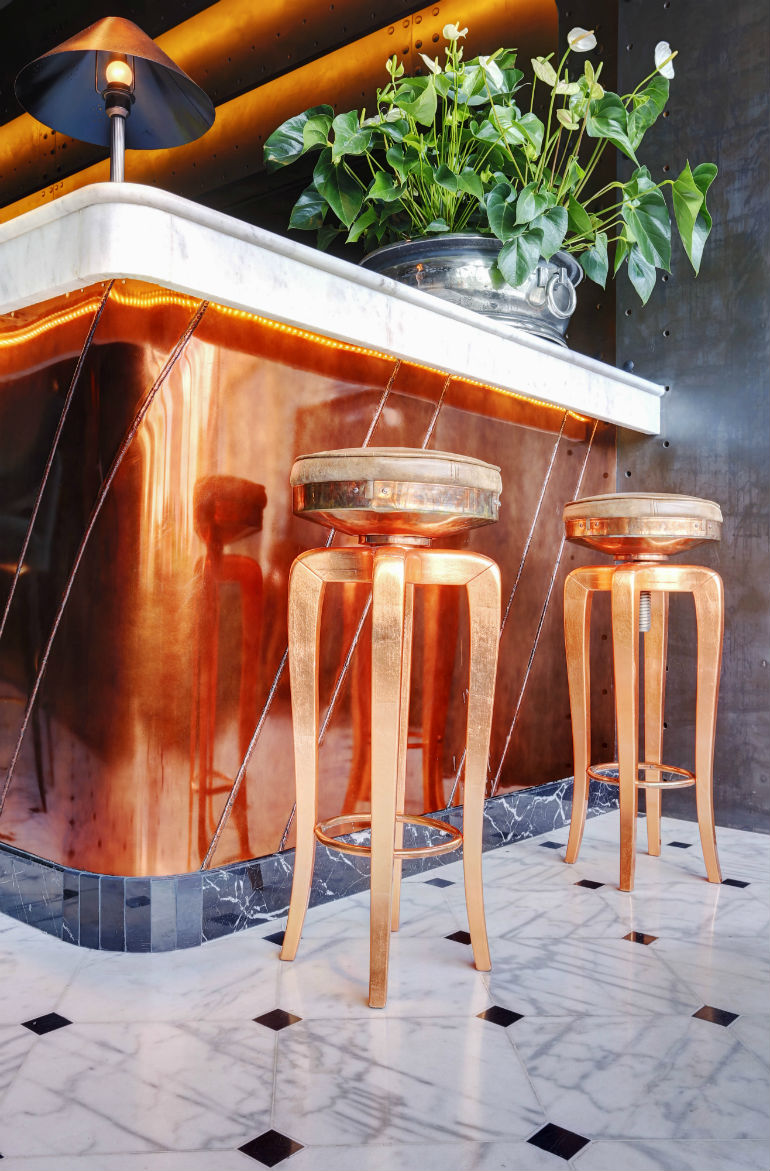 Spring Renovations 8 Chic Bar Stools Ideas For Trendy Living Rooms bar stools Spring Renovations: 8 Chic Bar Stools Ideas For Trendy Living Rooms Spring Renovations 10 Chic Bar Stools Ideas For Trendy Living Rooms 6