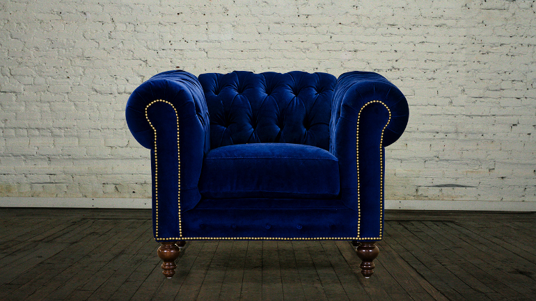 Lapiz Blue: The Pantone Color You Need For Your Velvet Armchair velvet armchair Lapiz Blue: The Pantone Color You Need For Your Velvet Armchair Chesterfield Chair fabric Cannes Velvet Lapis