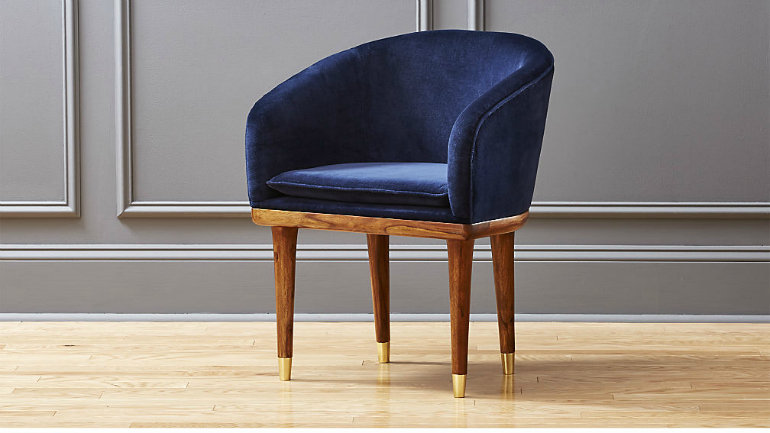 Lapiz Blue: The Pantone Color You Need For Your Velvet Armchair velvet armchair Lapiz Blue: The Pantone Color You Need For Your Velvet Armchair ViceroyChairSapphireSHS17 16x9