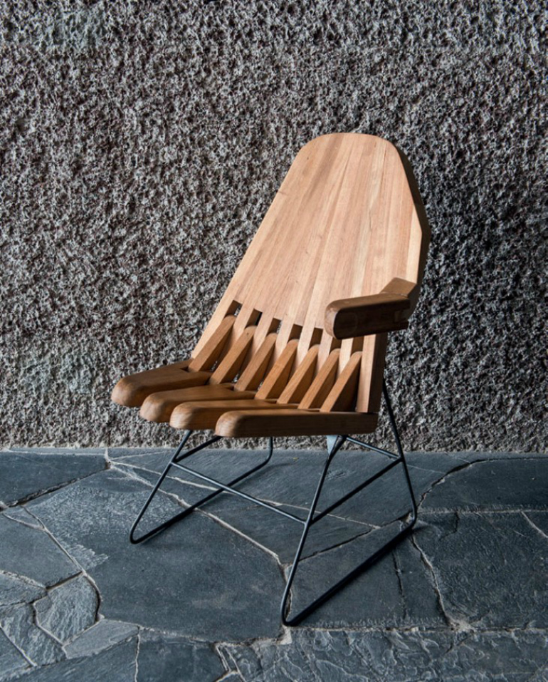 6 Modern Chairs Inspired By Ancient Civilizations modern chairs 6 Gorgeous Modern Chairs Inspired By Ancient Civilizations Mexico City House 3 730x907