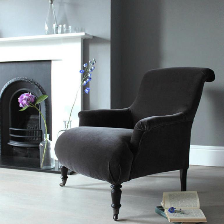 Top 6 Comfortable Velvet Armchairs For Bookworms velvet armchairs Top 6 Comfortable Velvet Armchairs For Bookworms original finley velvet armchair 700x700