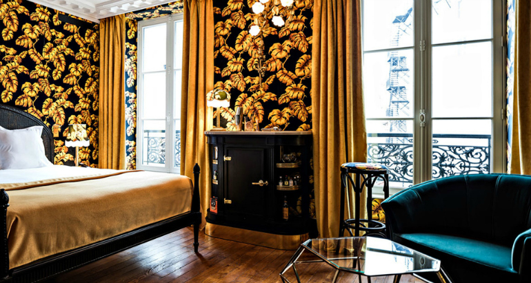 7 Superb Bedroom Chairs in Top Hotels bedroom chairs 7 Superb Bedroom Chairs in Top Hotels providence hotel paris 1