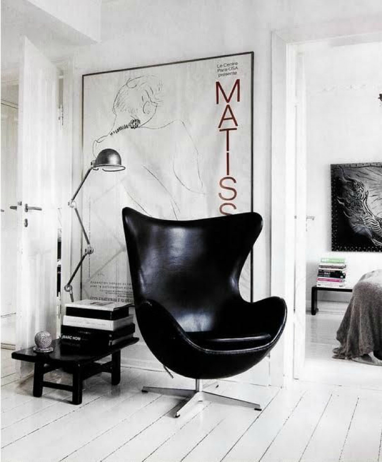 7 Stylish Black Armchairs That Will Seduce You black armchairs 7 Stylish Black Armchairs That Will Seduce You 30116