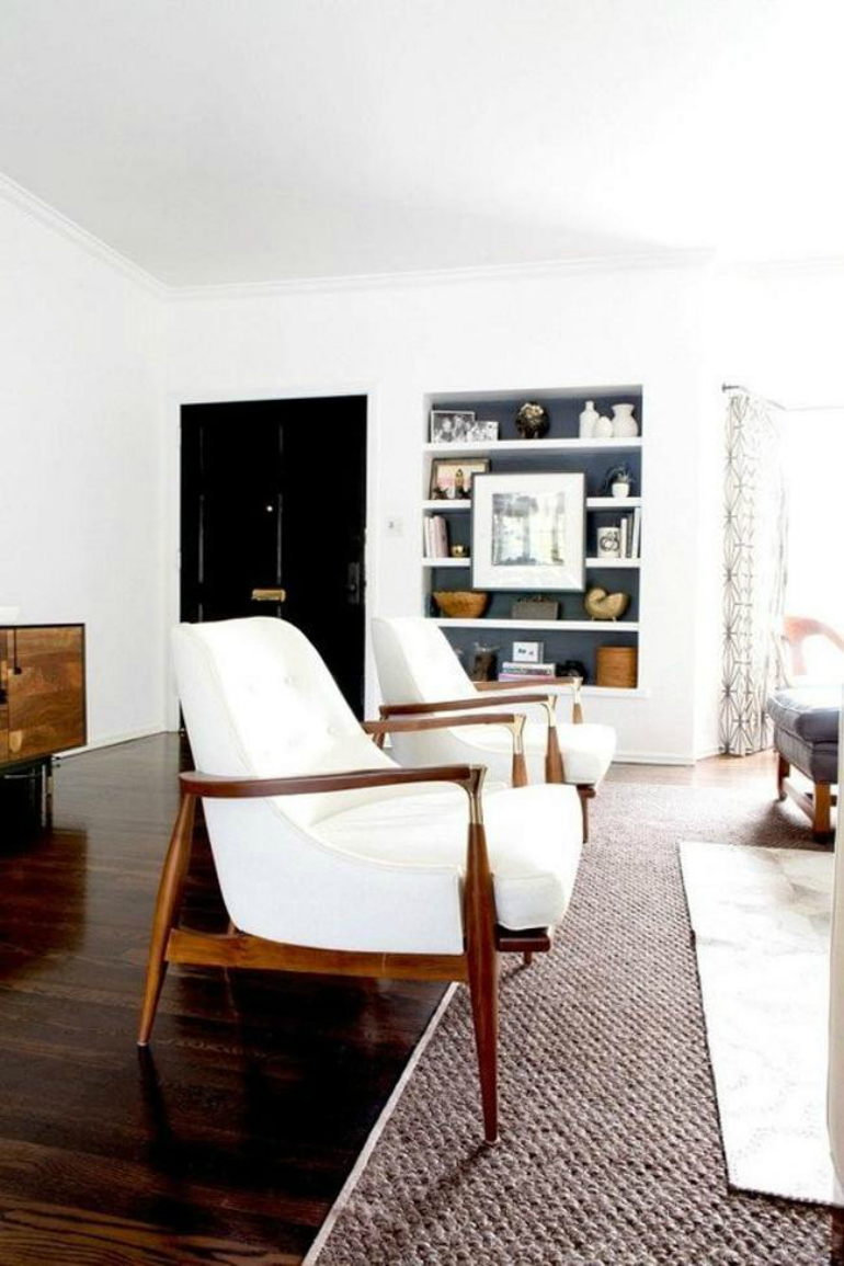 7 Sublime Living Room Chairs Featuring Wood