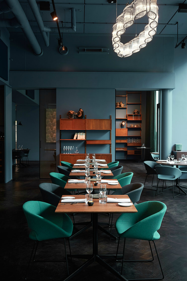 9 Dining Chairs From The World's Most Beautiful Restaurants dining chairs 9 Dining Chairs From The World's Most Beautiful Restaurants pic restaurant 01