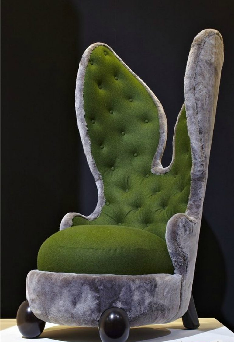 designer chairs designer chairs THE 5 Unusual Upholstered Designer Chairs for Living Room THE 5 Unusual Upholstered Designer Chairs for Living Room2 e1501671483537