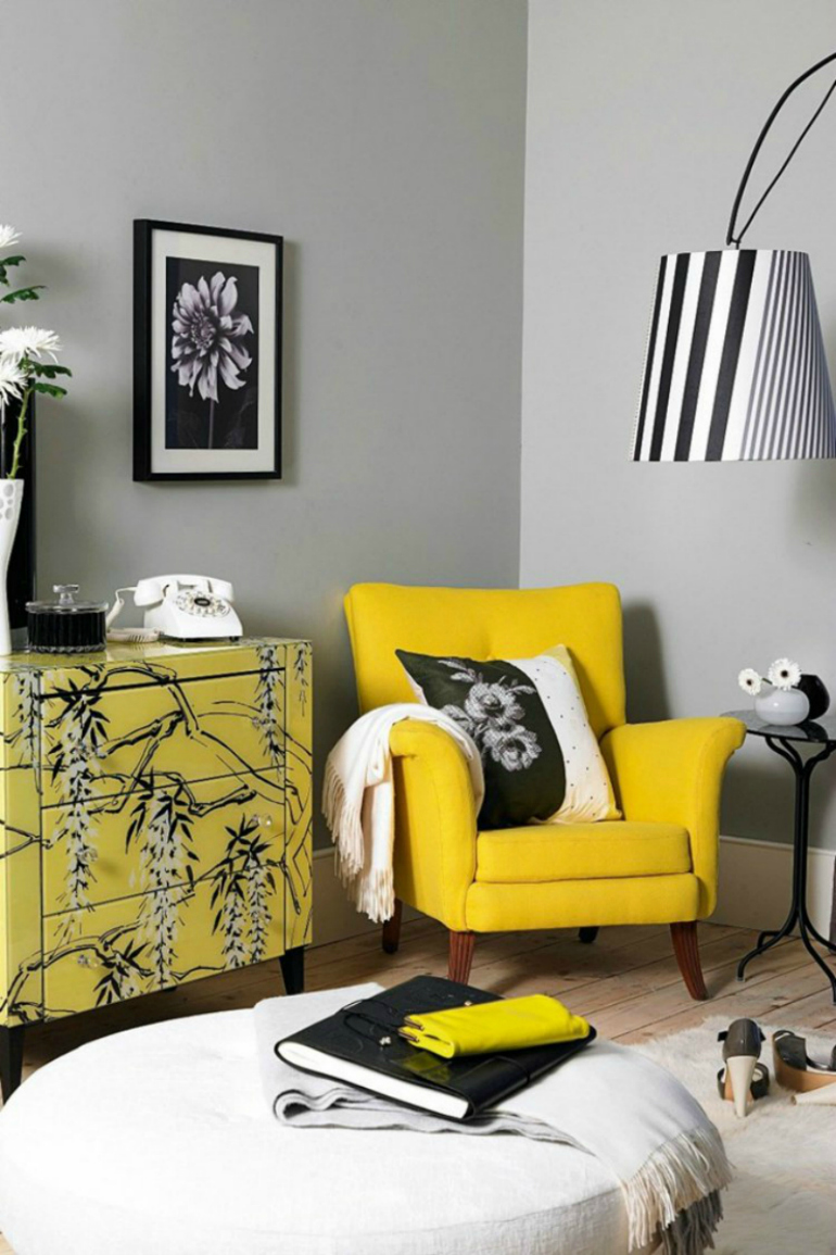 10 Superb Accent Chairs For Small Living Rooms accent chairs 10 Superb Accent Chairs For Small Living Rooms Bright living room sofa 36