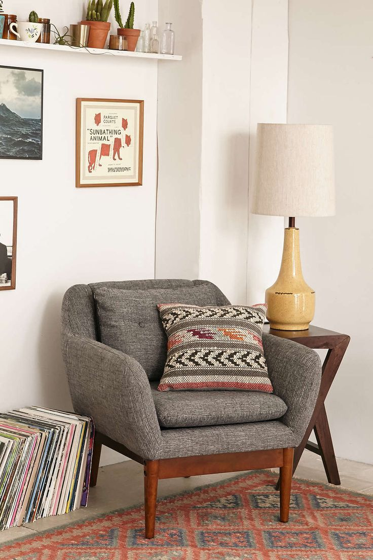 chairs for livingroom 7 tips on choosing suitable accent chairs for a living room set 3798